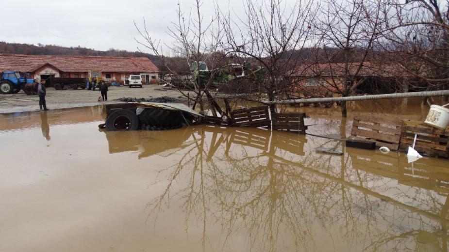 Опасно покачване нивата на реките Струма и Места регистрират контролните