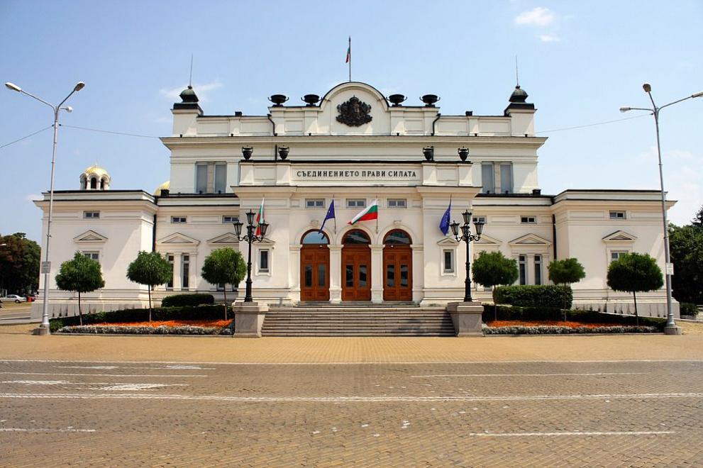 Парламентът върна практиката министрите и премиерът да се отчитат пред