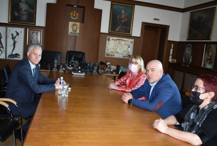 Иван Гешев покани Бойко Рашков на работна среща. Преди това