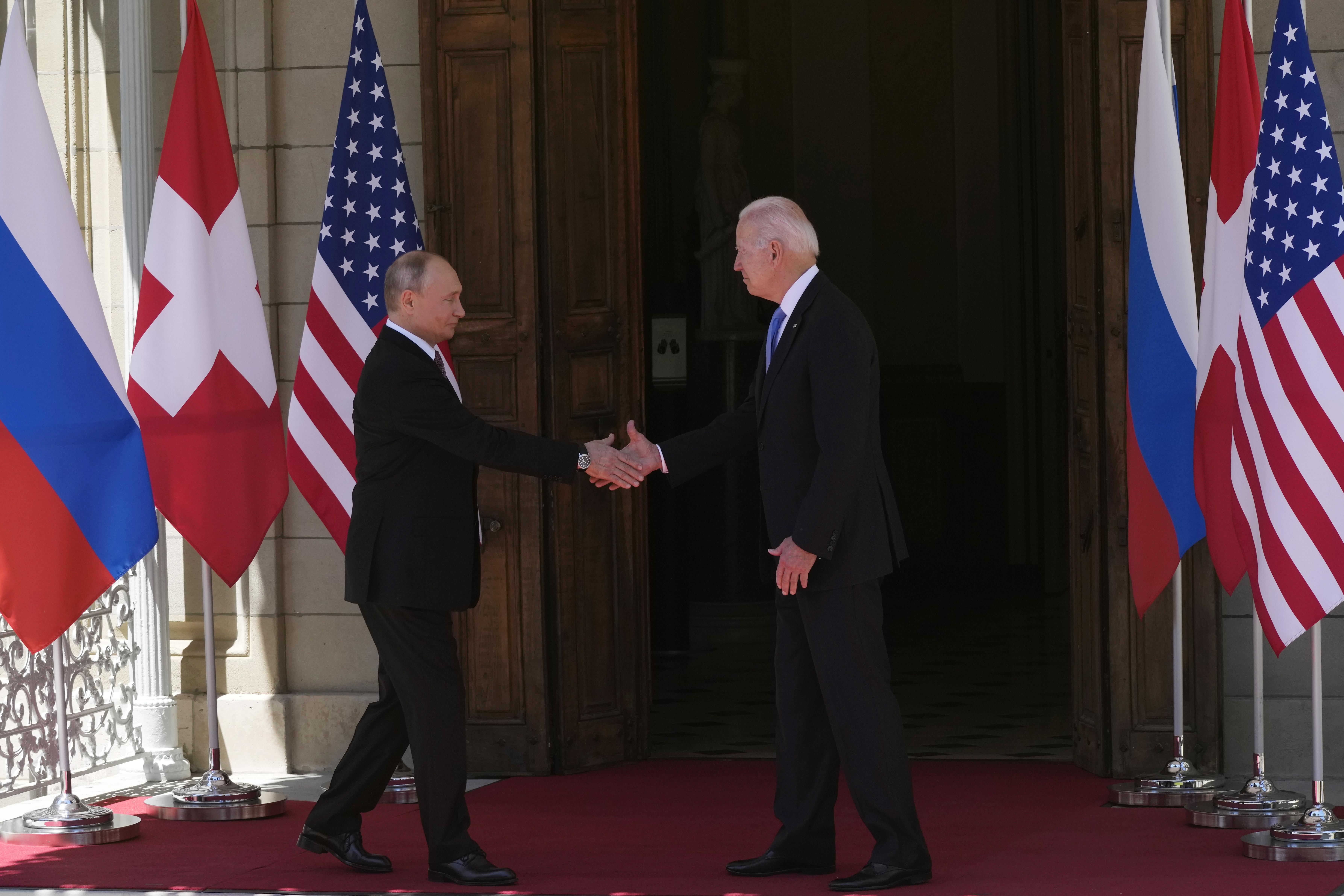 Постепенно размразяване на отношенията САЩ-Русия започна с първата среща между