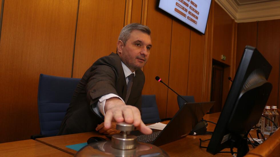 Следва процедура по избор на нов председател на СОС.В оставката