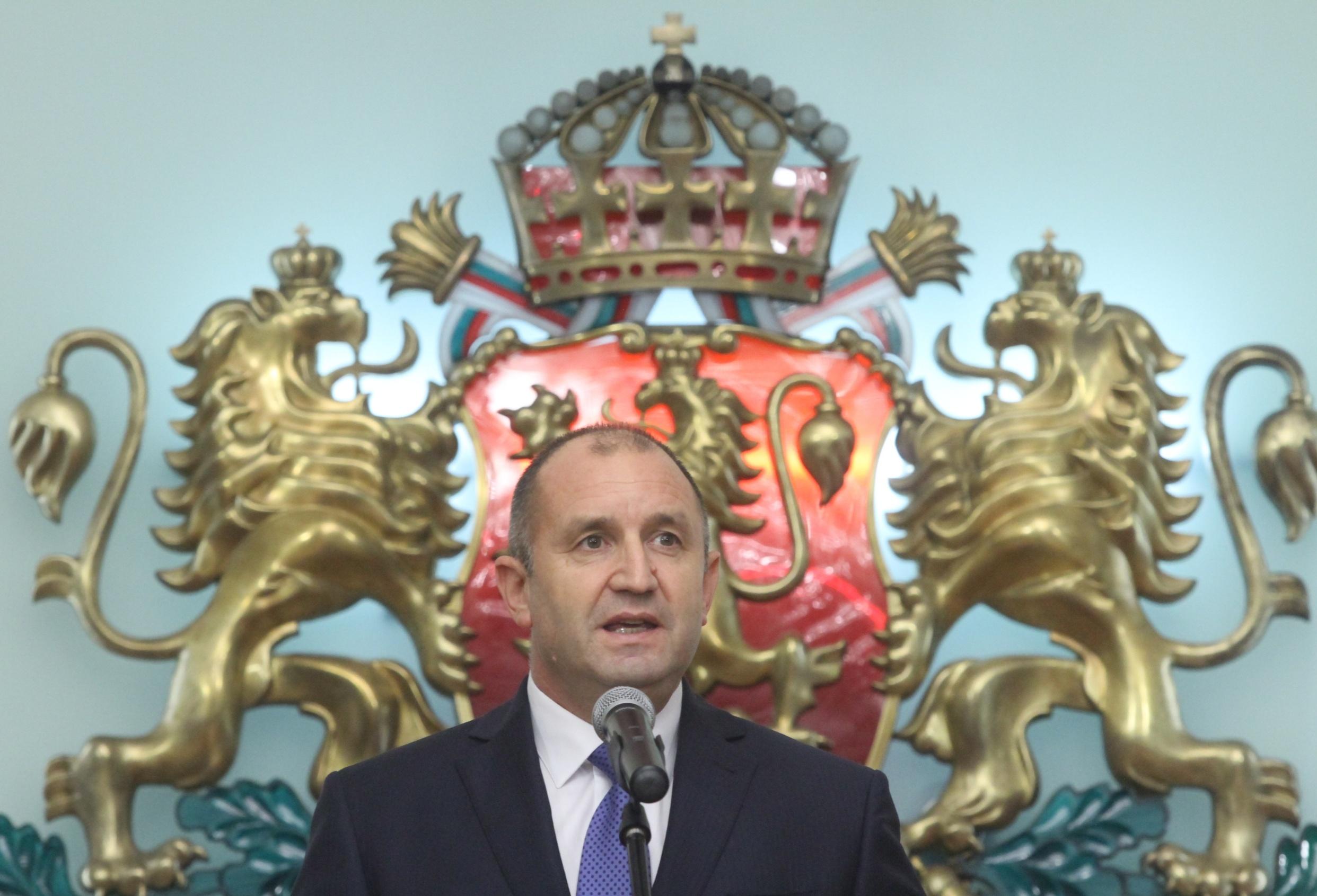 Държавният глава Румен Радев и вицепрезидентът Илияна Йотова ще приветстват