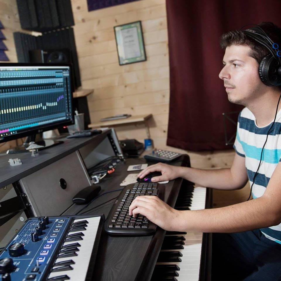 Български композитор на филмова и гейминг музика създаде проект, наречен