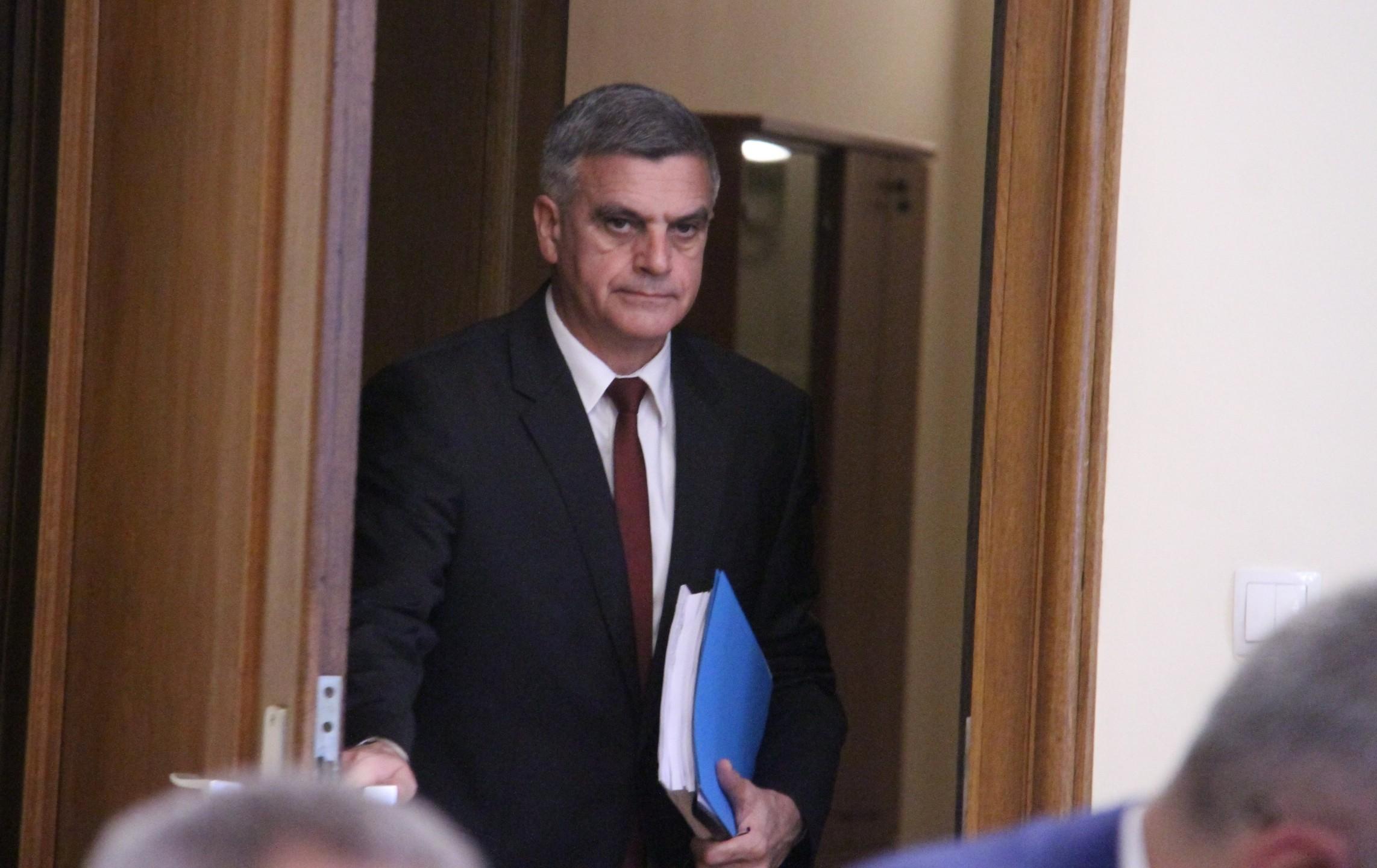 Служебният премиер Стефан Янев отчете като грешка това, че новите