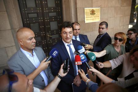 Президентът Румен Радев и БСП сезираха вчера Конституционния съд (КС)