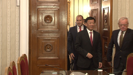 Китай поиска визови и митнически облекчения за туристите си. Това