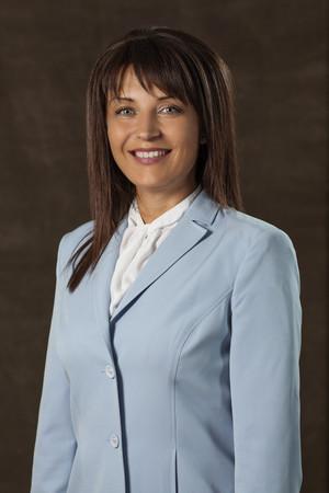 Нина Ставрева е родена във Варна, където е завършила Икономическия