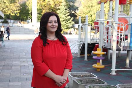 Стефани Тодорова е на 22 години и има 2-годишен син.