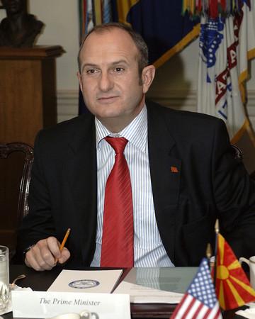 Проф. Бучковски е лидер на СДСМ през 2004 г. и
