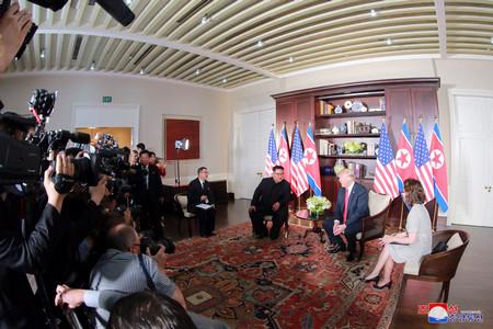 Валентин РадомирскиСрещата между лидерите на САЩ и КНДР в Сингапур
