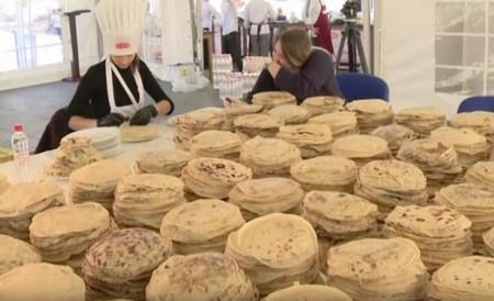 Снимка: Босненски готвачи със световен рекорд по правене на палачинки