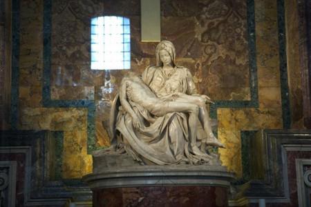 """Когато изработва една от най-известните си творби """"Пиета"""", Микеланджело ди"""