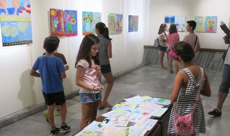 """Художествената галерия в Добрич откри изложба-конкурс на тема """"Моето лято"""